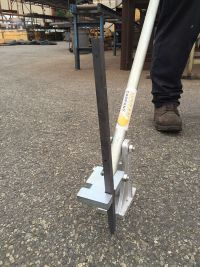 "Puller with square nail stake ""SQ"""