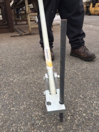 "Puller with round nail stake ""RH"""